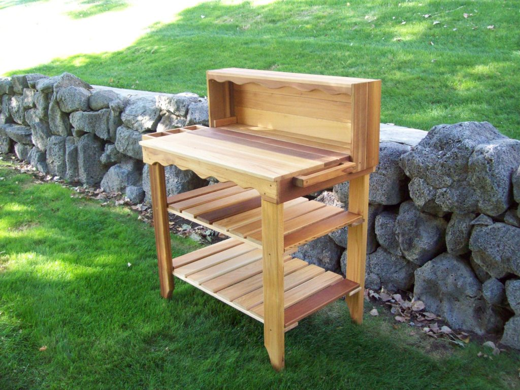 Superb Deluxe Potting Bench